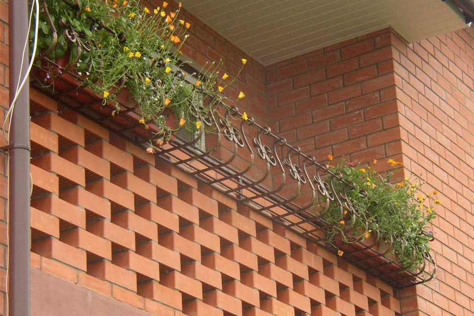 Кованые стойки для цветов, фото кованых стоек под цветы.