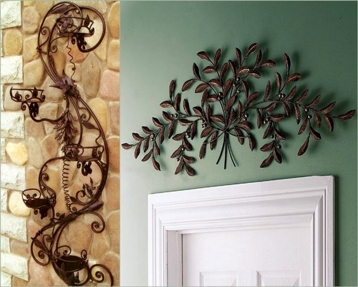 Декор в доме из металла
