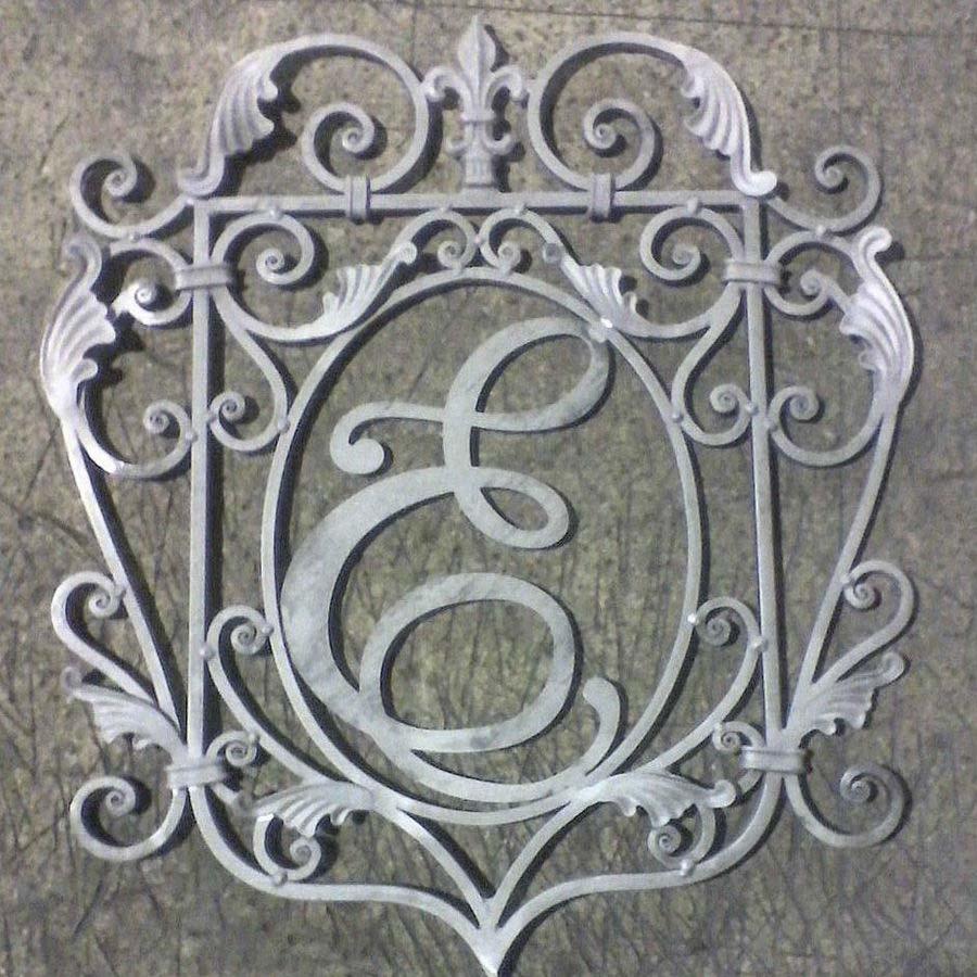 кованый герб семьи фото сезон утка