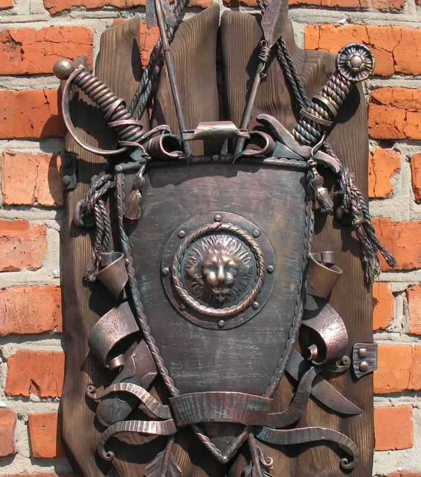 кованые гербы фото дом будет полною